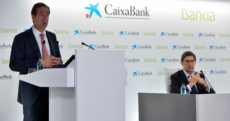 Caixabank y Bankia convocan sus juntas para aprobar la fusión