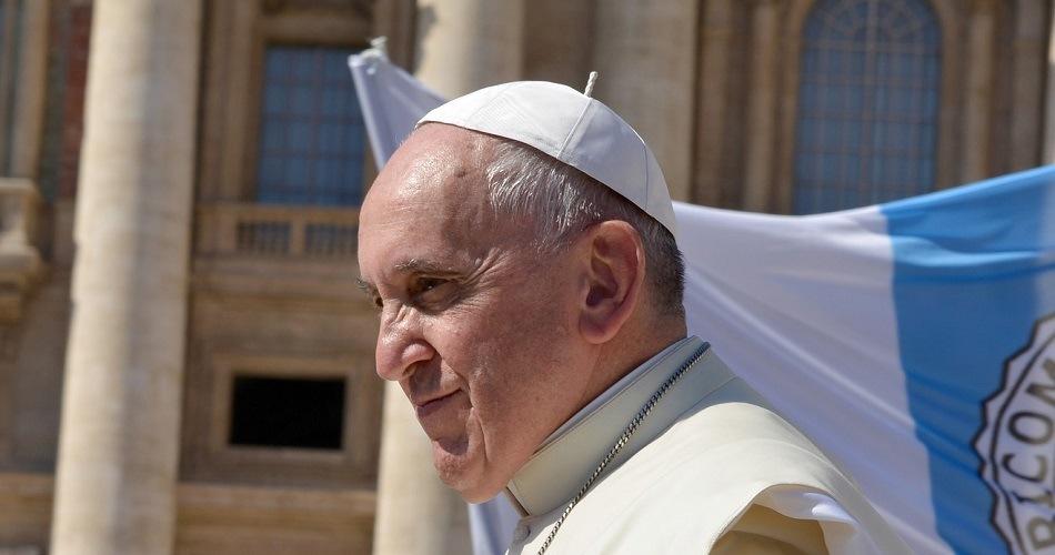 El papa Francisco se muestra a favor de una ley de uniones civiles para homosexuales