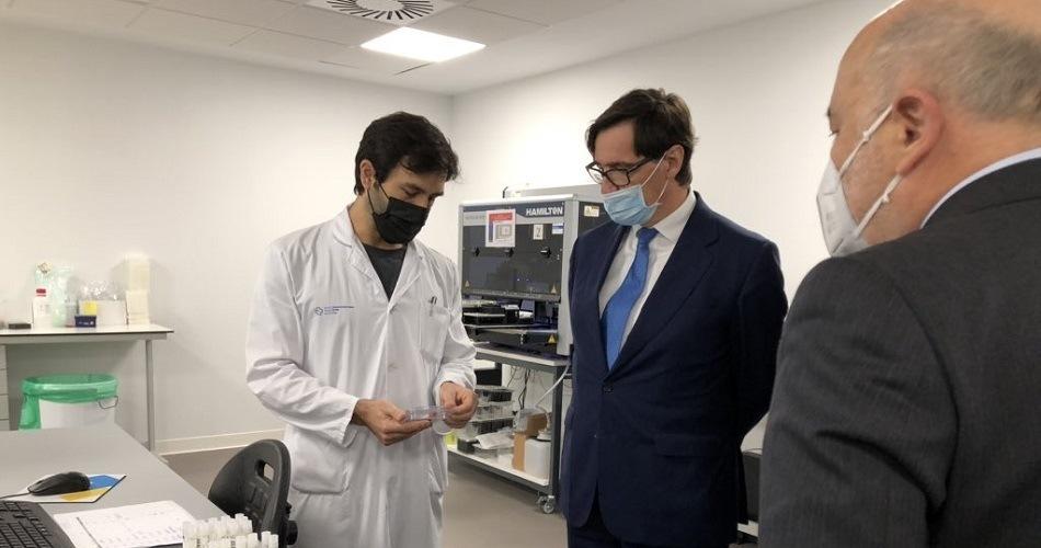 El gobierno esperará 'dos o tres semanas' antes de tomar medidas más duras contra la pandemia