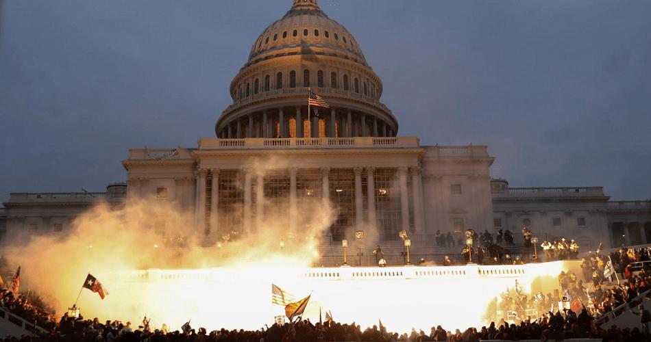 Trumpistas asaltan el Capitolio de Estados Unidos