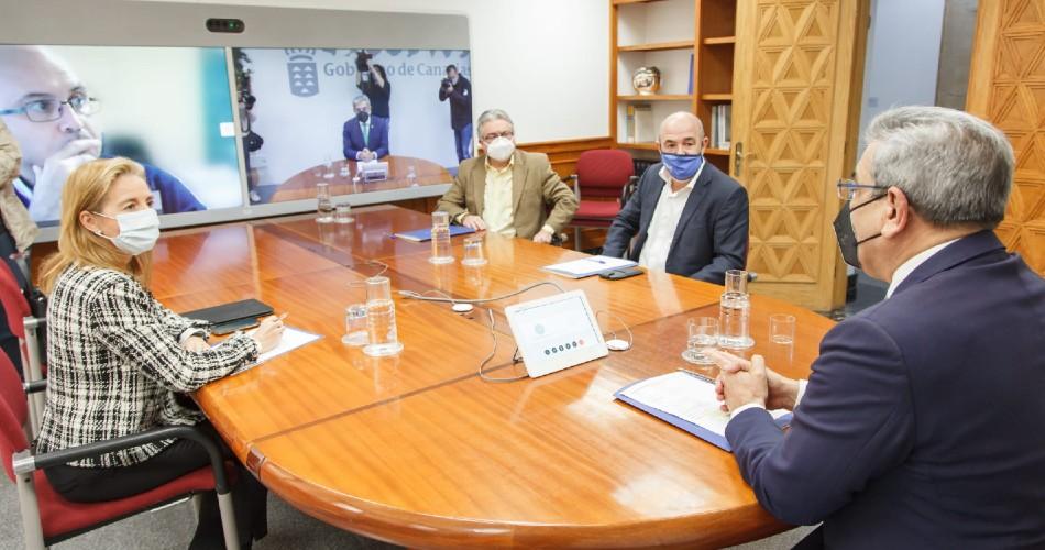 Rodríguez intensifica el diálogo con las patronales turísticas para rentabilizar las ayudas dirigidas al sector